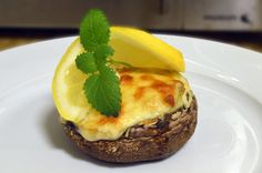 Portobello stuffed with tuna and broccoli.
