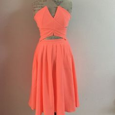 """Skirt/top Set This is a two piece skirt/top set .... by Hot and Delicious NWT SKIRT has 2 front pockets and elastic waist in back Skirt is 25"""" long Top zips up the back.  ❌trades ❌PayPal. One small and one medium available Hot and Delicious Skirts Midi"""