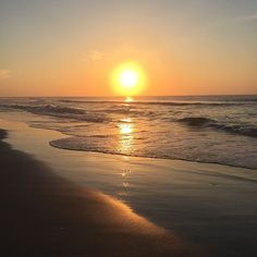 Happy SUNday babes! Today is a perfect day to rest and rejuvenate - be kind to your body and mind. ✨ #wrightsvillebeach #wilmingtonnc #beach #sunrise #sunday #northcarolina