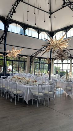 Casual Wedding, Boho Wedding, Wedding Ceremony Decorations, Table Decorations, Furniture, Home Decor, Mens Casual Wedding, Decoration Home, Room Decor