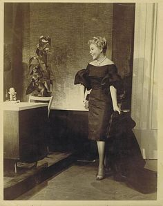 vivian vance of i love lucy looking very elegant and pretty Golden Age Of Hollywood, Vintage Hollywood, Classic Hollywood, Hollywood Stars, Vivian Vance, William Frawley, Desi Love, I Love Lucy Show, Lucille Ball Desi Arnaz