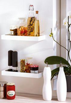 Dank der vertieften Ausführung ist dieses Wandregal von Duraline ideal zum Verstauen von Büchern oder dekorativen Gegenständen geeignet.
