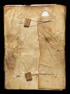 Manuscrit composite de contenu scholastique, avec entre autres le catalogue de la bibliothèque de l'Abbaye de Heiligenkreuz du XIVe s. Papier. Medieval Books, Medieval Manuscript, Illuminated Manuscript, Bookbinding Ideas, Small Book, Buzzard, Contemporary Abstract Art, Old Books, Catalogue