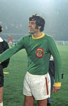Retro Football, Football Shirts, Wales Football Team, Defenders, Clock, Memories, Classic, Watch, Memoirs