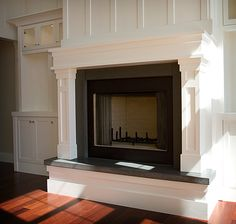 I love all the woodwork with the built in shelves next to it. I would want brink around the fireplace instead. Fireplace Bookshelves, Fireplace Wall, Fireplace Design, Fireplace Mantles, Stone Fireplaces, Bookcases, Home Upgrades, Built In Shelves, Built Ins