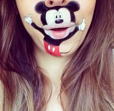 Check out how hair and makeup artist Laura Jenkinson paints these notorious Disney characters on her mouth so that they come to life as talking animations on her face. Description from theviralpress.com. I searched for this on bing.com/images