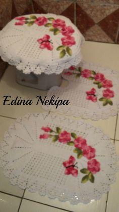 jogo banheiro 3 peças, branco flores rosa.