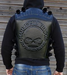 Harley Davidson Store is where we choose which we think are the best value for money Harley Davidson merchandise. Harley Davidson Gear, Harley Davidson Merchandise, Best Mens Leather Jackets, Leather Jacket With Hood, Leather Armor, Leather Vest, Skull Fashion, Mens Fashion, Biker Costume
