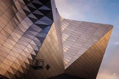 Couleurs douces lignes brutes. Joli contraste pour les amoureux d'architecture ! Photo : Sebastien Boullier / #OlympusOMD E-M5 / M.ZUIKO DIGITAL ED 1240mm 1:2.8 PRO #Olympus #Zuiko #architecture #pastel #city #shotoftheday #picoftheday #colors #sky via Olympus on Instagram - #photographer #photography #photo #instapic #instagram #photofreak #photolover #nikon #canon #leica #hasselblad #polaroid #shutterbug #camera #dslr #visualarts #inspiration #artistic #creative #creativity