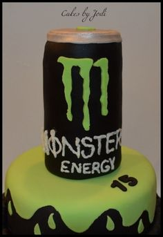 Monster Energy Cake - Monster Energy Drink can made using Rice Krispy Treats and covered in fondant. Cakes For Men, Cakes And More, Men Cake, Monster Energy Cake, Monster Cakes, Fondant Figures, Fondant Cakes, Rice Krispie Treats, Rice Krispies