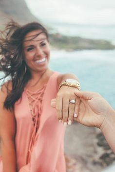Everything about this beach proposal in Hawaii is beyond perfect - especially that gorgeous engagement ring!