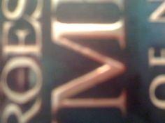 1: Schreef letter  2: Hoofdletters  3:Letters zijn verticaal én horizontaal breed.