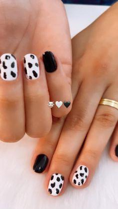 Colorful Nail Designs, Toe Nail Designs, Simple Nail Designs, Cute Halloween Nails, Halloween Nail Designs, Simple Acrylic Nails, Simple Nails, Stylish Nails, Trendy Nails