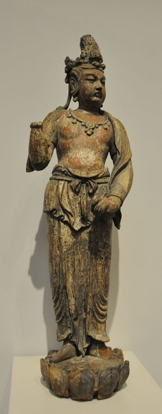 紐約大都會藝術博物館-中國館路稀世珍寶 金代風格觀音立像——木雕彩漆