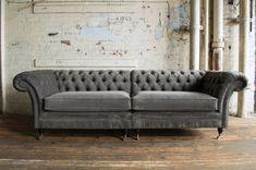 Chesterfield Couch Polster Sofas Klassischer Textil Schaffhau 4 Sitzer - 324 - www. Velvet Chesterfield Sofa, Velvet Couch, Elegant Sofa, Foam Cushions, Fabric Sofa, Sofa Design, Furniture Design, Love Seat, Vintage App