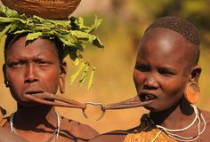 The Suri tribe wedding ceremony, Omo Valley, Ethiopia. Tribes Of The World, We Are The World, People Around The World, Arte Tribal, Tribal Art, Africa Tribes, Africa People, Anthropologie, Tribal People