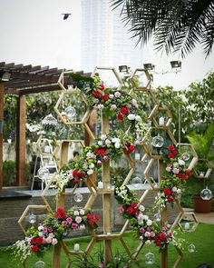 Get the latest and most beautiful Mehendi decor ideas for your wedding Wedding Decorations On A Budget, Flower Decorations, Wedding Centerpieces, Mehendi Decor Ideas, Mehndi Decor, Marriage Decoration, Floral Backdrop, Geometric Wedding, Event Decor