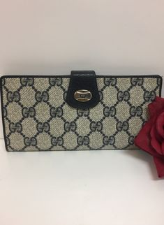 bb55d2a84db7 23 Best Vintage Gucci images in 2019 | Change purse, Clutch bags ...