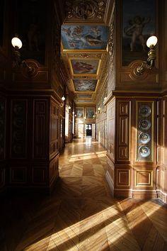 Chateau De Fontainebleau Interior | chateau-de-fontainebleau-interior.jpg
