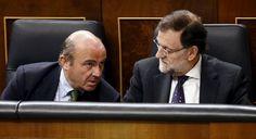 Los hombres de negro del FMI vienen a meter la tijera a los Presupuestos de Rajoy