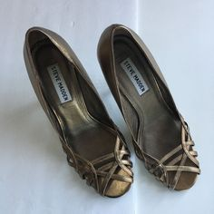 Steven Madden Chic Bronze Caged Strappy Open Toe Donatela Heel Pump Size 7  #SteveMadden #OpenToe #pump #high #heel #sotd #donatel #7 #caged #strappy #chic #sotd #trendy #classic #bronze #dressy #wedding #ebay #thebudgetcafe #fashion #dress #up