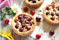 Cseresznyés crostata (olasz pite) Recept képpel - Mindmegette.hu - Receptek Ricotta, Bon Appetit, Cheesecake, Sweets, Tarts, Food, Cheesecake Cake, Sweet Pastries, Cake Rolls
