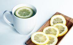 bienfaits santé de l'eau chaude citronnée à jeun