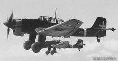El diseño del Ju 87 incluía varias características innovadoras, como el izado automático de los frenos de picado de las alas para asegurar que la aeronave se recuperaba de un ataque en picado incluso si el piloto se desmayaba debido a la alta aceleración.