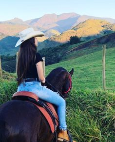 Cute Cowgirl Outfits, Rodeo Outfits, Country Girls Outfits, Country Girl Style, Cowgirl Style, Cute Outfits, Foto Cowgirl, Estilo Cowgirl, Vaquera Sexy