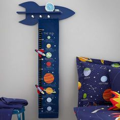 Ideal for a space enthusiast, this height chart, designed with a space theme features the planets from our solar system, including educational facts about them. Boys Space Bedroom, Outer Space Bedroom, Space Boy, Kids Room, Kids Bedroom Accessories, Space Themed Nursery, Baby Boy Rooms, Baby Room Decor, Creations