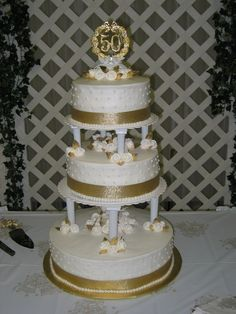 50th anniversary cakes | Tier Wedding Cake...white cake with white BC icing. Royal Icing ...