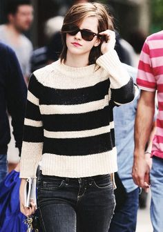 The hottest Emma Watson photos will make you fall in love with her. - Hot Celebrities - Check out: The Hottest Emma Watson Photos on Barnorama Emma Watson Outfits, Emma Watson Casual, Emma Watson Style, Emma Watson Fashion, Emma Love, Emma Watson Beautiful, Outfits Niños, Casual Outfits, Fashion Outfits