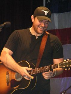 Chris Young playing for the troops.  Donate to StarsForStripes.com to help send these guys over!