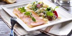Kylmäsavukalkkunaa ja kevätsalaattia. Hyvä ruoka, parempi mieli. Sushi, Meat, Chicken, Ethnic Recipes, Food, Essen, Meals, Yemek, Eten