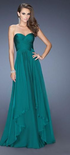 Shop La Femme evening gowns and prom dresses at Simply Dresses. Designer prom gowns, celebrity dresses, graduation and homecoming party dresses. Stunning Dresses, Beautiful Gowns, Elegant Dresses, Pretty Dresses, Fabulous Dresses, Simple Dresses, Simply Beautiful, Gala Dresses, Homecoming Dresses