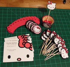 This mom did a great job of making decorations for her daughter's Hello Kitty birthday party. Lucky little girl! Hello Kitty Theme Party, Hello Kitty Themes, Hello Kitty Cake, Hello Kitty Favors, Hello Kitty Invitations, Second Birthday Ideas, 7th Birthday, Birthday Parties, Birthday Cake
