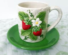 Vintage Sears Strawberry Mug 1981 with by AChairInTheAttic on Etsy, $10.00 Strawberry Kitchen, Strawberry Summer, Strawberry Fields Forever, Strawberry Patch, Strawberry Shortcake, Strawberry Pictures, Strawberry Decorations, Teapots And Cups, Teacups
