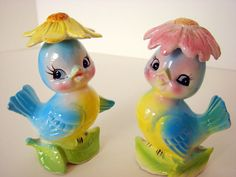 Bright cheerful little salt and pepper shakers from etsy seller sassboxclassics