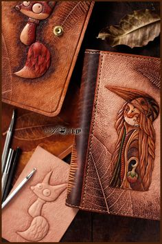 Leather Tooling Patterns, Leather Wallet Pattern, Tooled Leather Purse, Leather Art, Leather Keychain, Leather Pouch, Leather Design, Leather Cover, Leather Factory