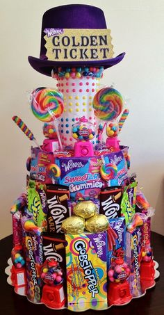 Willy Wonka Candy Party : Candy cake made with tons of candy! Themed Gift Baskets, Raffle Baskets, Candy Gift Baskets, Kids Gift Baskets, Fundraiser Baskets, Raffle Gift Basket Ideas, Easter Baskets, Willy Wonka, Anniversaire Candy Land