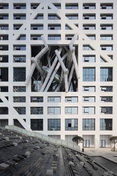Sliced Porosity Block | Steven Holl Architects