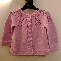 Ciqala Arrowhead Sweater - Knitting pattern by OGE Knitwear Designs Christmas Knitting Patterns, Baby Knitting Patterns, Unisex Looks, Baby Scarf, Baby Cardigan, Arm Knitting, Kids Knitting, Dress Gloves, Baby Knitting