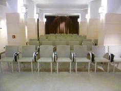 la nostra Sala Congressi di recente realizzazione dotata di accessori multimediali e accesso internet Sandra