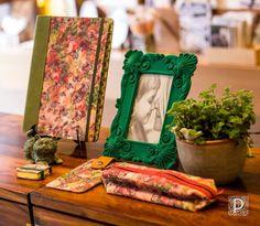 Linha com tecidos exclusivos da Tropicale para Patricia de Deus, cerâmica Simone Campos!