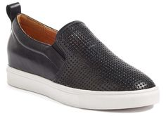 The best slip on shoes! (Affiliate link)