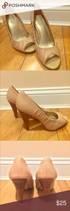 Seychelles Ivory Heels Lightly worn Ivory peep toe leather heels. Super cute and comfy, just a bit too small for me! Seychelles Shoes Heels