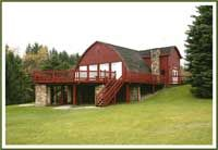 Penn Scenic Lakeside Lodge ($1000 venue rental, plus 9 bedroom lodge available on site for $350/night.)