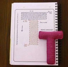 Alfabeto crochet - T Crochet Diy, Crochet Motifs, Crochet Amigurumi, Crochet Diagram, Crochet Chart, Crochet Home, Crochet Stitches, Crochet Patterns, Crochet Gratis