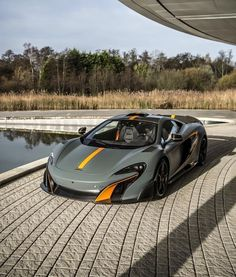 McLaren Special Operations has just revealed its latest bespoke McLaren 675LT with a roof scoop!