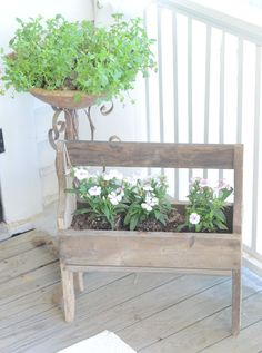 Vintage wooden tool box and rusty bird bath make great planters for a farmhouse porch. Just found one at my gramps home Old Tool Boxes, Wooden Tool Boxes, Lawn And Garden, Home And Garden, Outdoor Living, Outdoor Decor, Outdoor Spaces, Outdoor Stuff, Outdoor Ideas